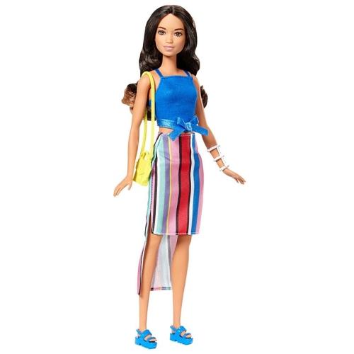 5334fbcf3d387f Lalka Barbie Modowe Przebieranki + akcesoria Mattel FFF60 3+ Brunetka 1.jpg